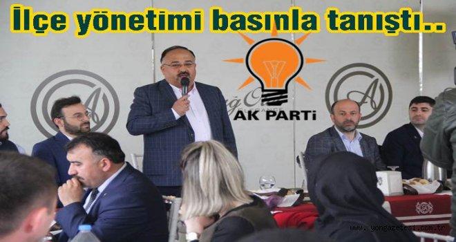 AK Parti ilçe yönetiminden toplu tanışma töreni..