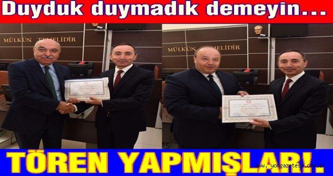 AK Partili iki vekil mazbatalarını almışlar..