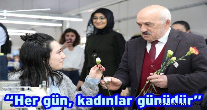 Başkan Tezcan, kadınlar gününü Belediyede kutladı