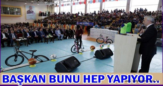 Belediyeden 73 okula spor malzemesi yardımı..