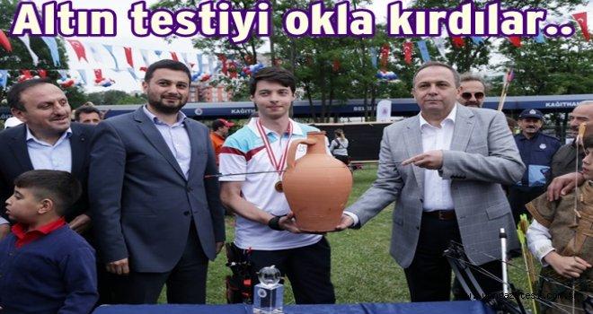 OKÇULAR HEDİFİ VURMAK İÇİN YARIŞTI..