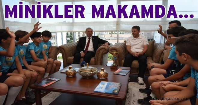 ŞAMPİYON TAKIM, BAŞKANI ZİYARET ETTİ..