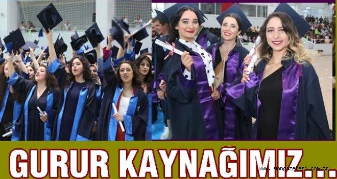 Üniversite 20 bin öğrenci mezun etti..