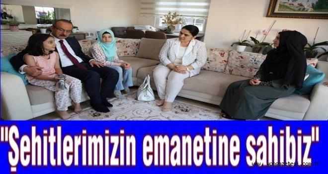 Vali Yavuz, 15 Temmuz şehit ziyaretlerinde..