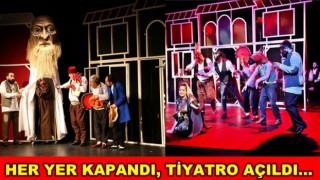 Tiyatro virüs dinlemedi. GULYABANİ 'perde' dedi..