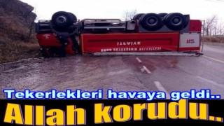 YANGINA GİDEN İTFAİYE ARACI KAZA YAPTI..