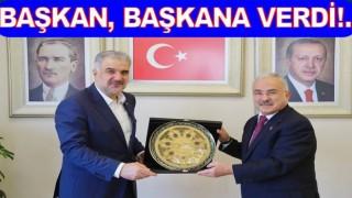 BAŞKAN GÜLER, OSMAN NURİ KABAKTEPE'Yİ ZİYARET ETTİ..