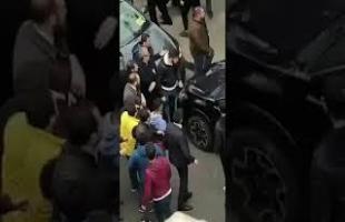 Üskudarda secim kurulu onunde kavga polis havaya ates acti